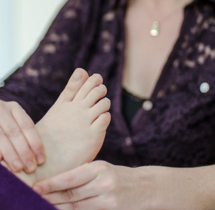 reflexology treatment at galway therapy clinic